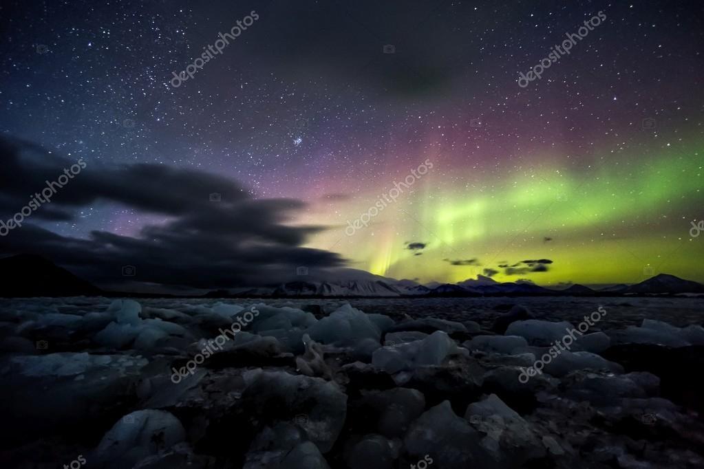 Northern lights on the Arctic sky - Spitsbergen, Svalbard