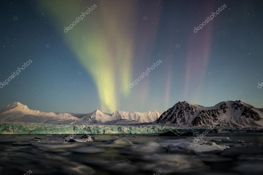 Northern Lights above the Arctic tidewater glacier - Spitsbergen