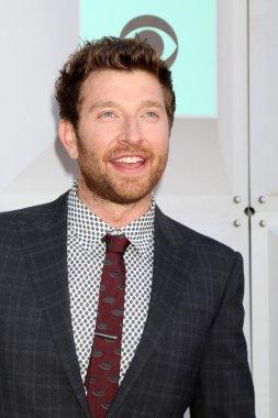 Brett Eldredge  - singer