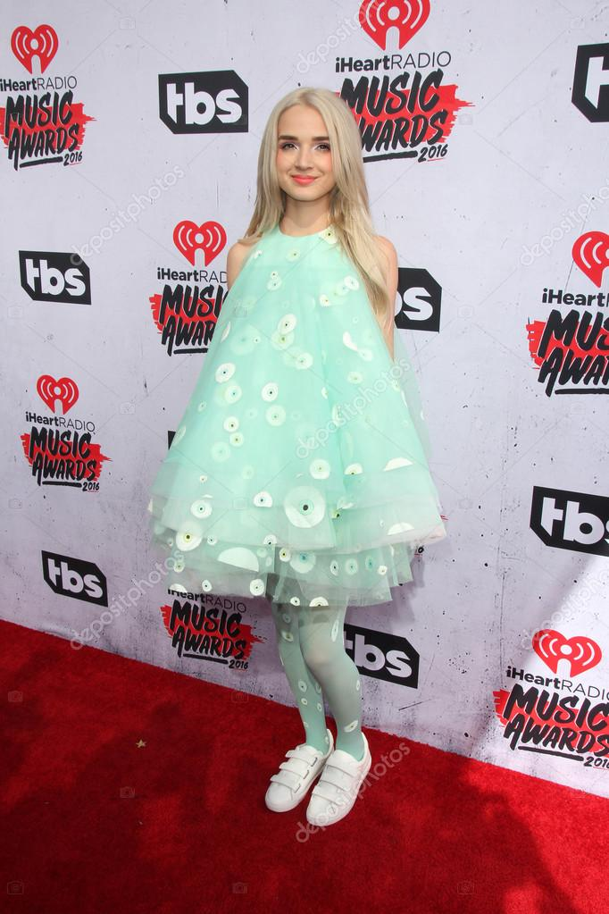 Mv Seventeen Highlight furthermore Khloe Kardashian Shares New True Pic Curses Off Tristan Thompson moreover Stock Photo That Poppy Singer also Hailee Steinfeld Isabelle Fuhrman W Magazines It Girl Luncheon At Colony Club New York City together with Full Image. on iheart radio