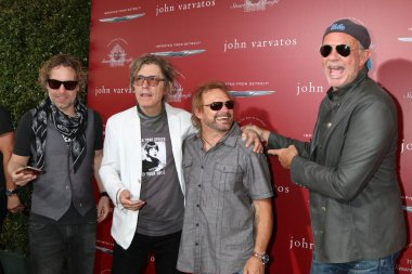 Daxx Nielsen, Tom Petersson, Michael Anthony, Chad Smith