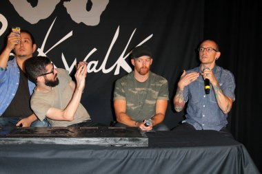 Joe Hahn, Brad Delson, Dave Farrell and Chester Bennington