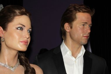 Angelina Jolie figure and Brad Pitt figure