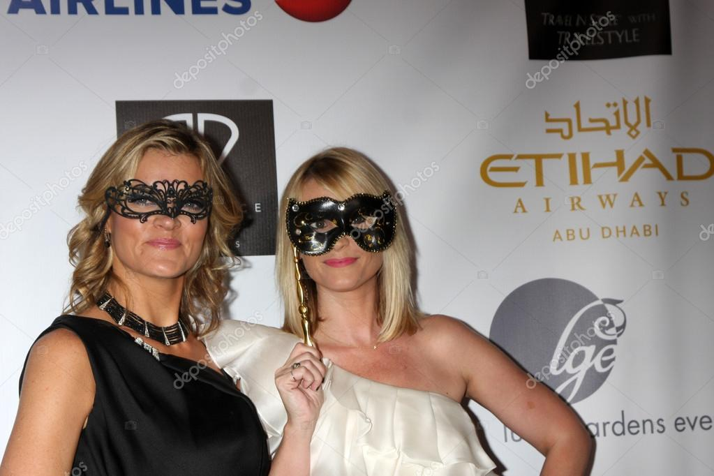 Missi Pyle and Bonnie Somerville