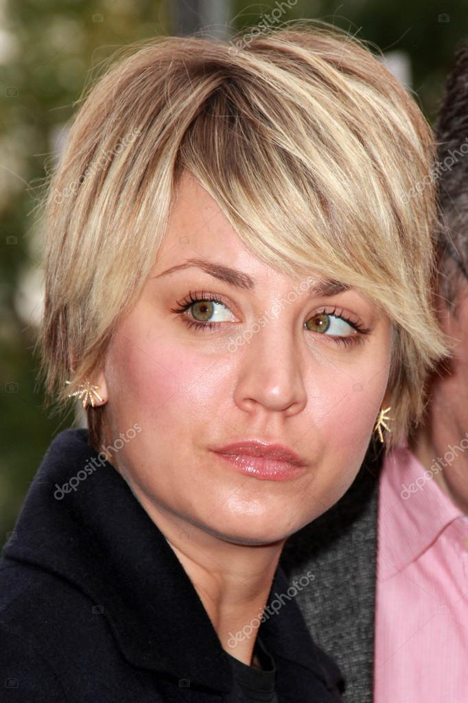 Kaley Cuoco Sweeting Stock Editorial Photo Sbukley 67878471