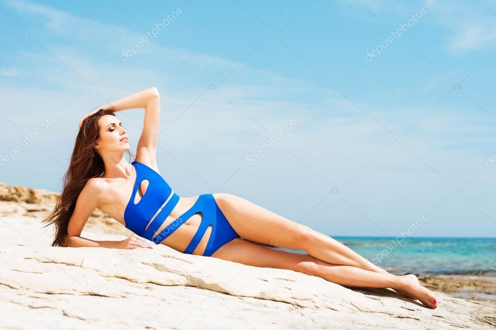 Сексуальная девушка пляж