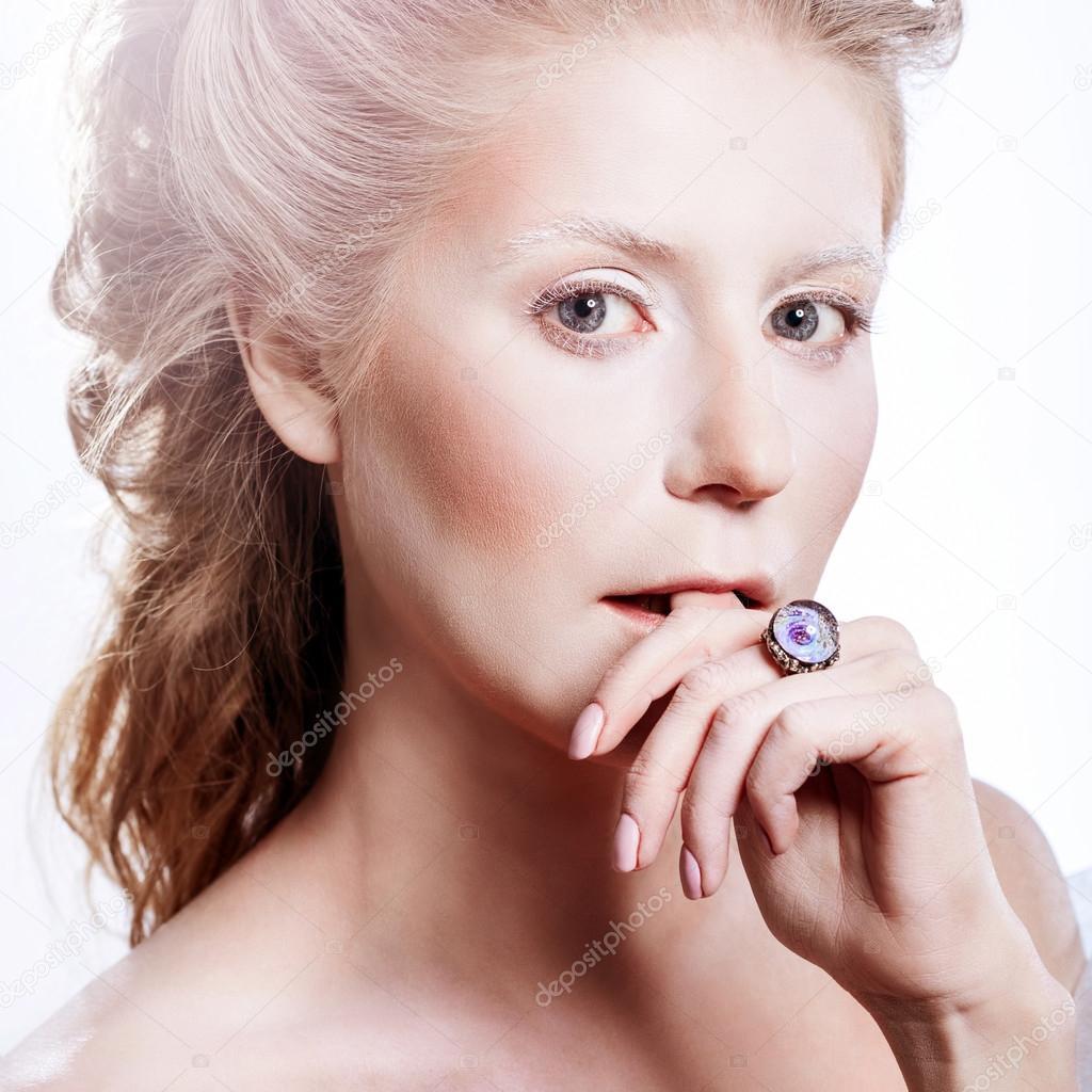Belle fille avec maquillage Noël glamour \u2014 Photo