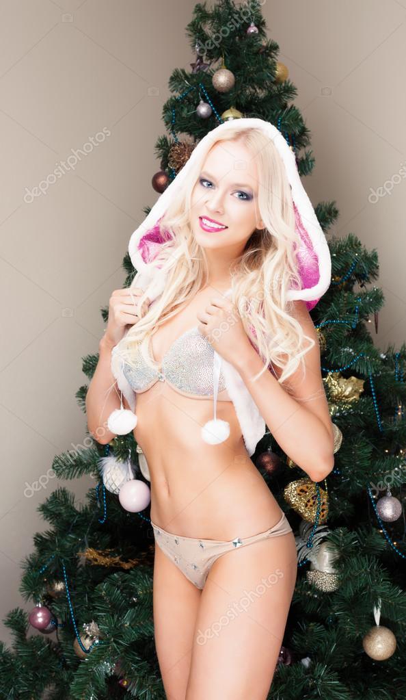 beautiful-nude-women-in-snow-cupid-nude