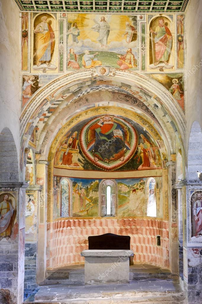 Interno della chiesa di san pietro e paolo foto for Interno san pietro