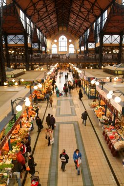 People shopping in the Great Market Hall at Budapest