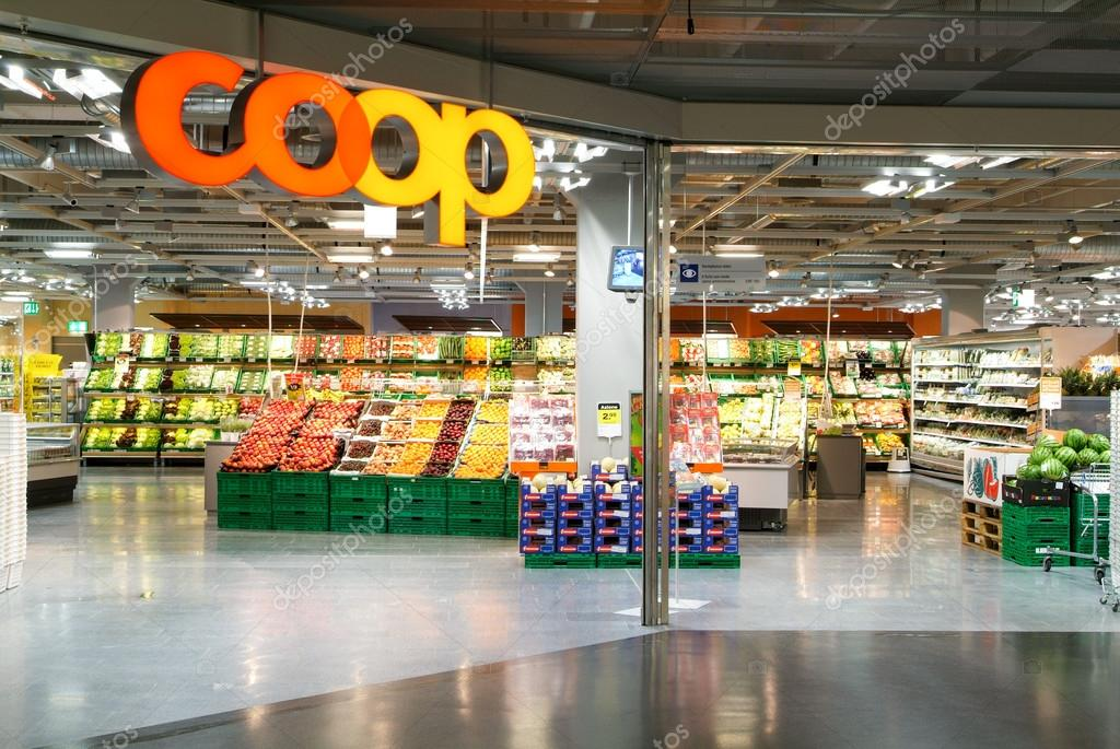 Interieur van coop supermarkt winkel redactionele for Interieur online shop