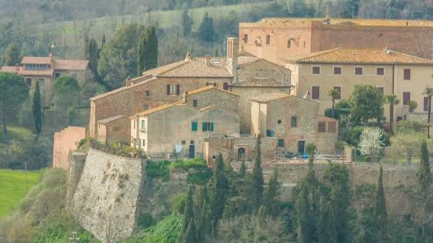 Italské středověkého města - San Giovanni dAsso, na provincii Siena, Toskánsko, Itálie