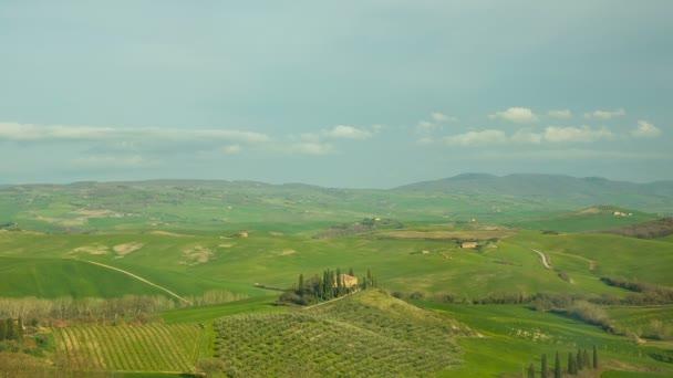 Nézd, a dombos Toszkána, Olaszország