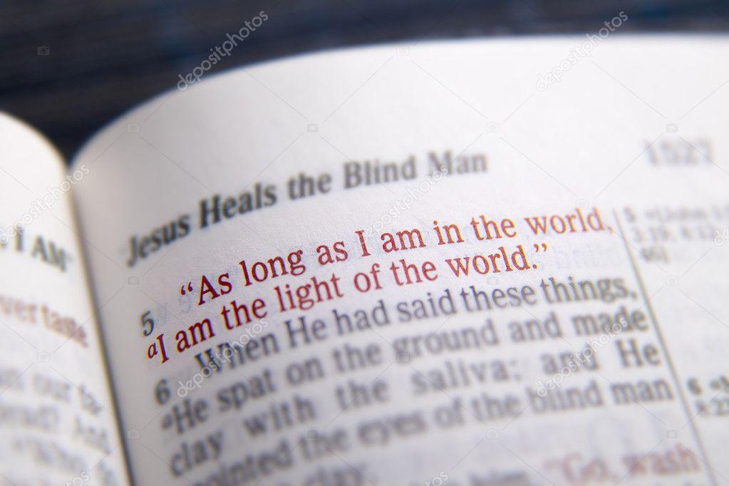Tekst Biblii światło świata Zdjęcie Stockowe Hriana 105066782