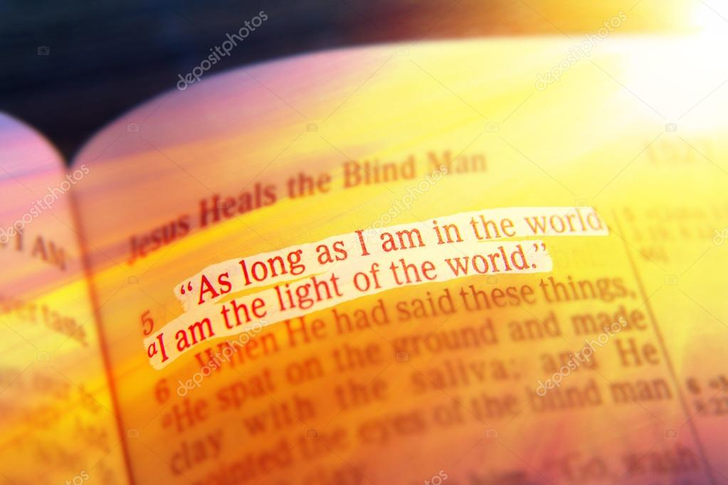Tekst Biblii światło świata Zdjęcie Stockowe Hriana 105066812