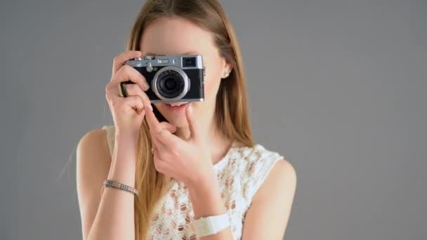 Žena s focením fotoaparát