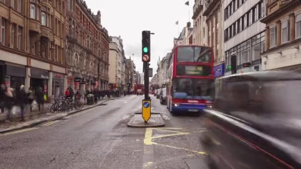 Provoz na Regent Street