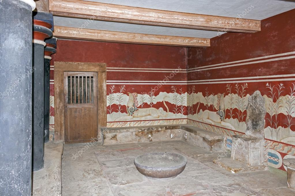 controversy about the palace of knossos His extensive reconstructions at knossos, which used reinforced concrete, have not been without controversy it has even been said that the site today preserves some of the best examples of art deco architecture in greece [11]  after a evans, the palace of minos at knossos.