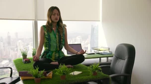 4 Business Woman Zen Like Yoga Meditation In Office