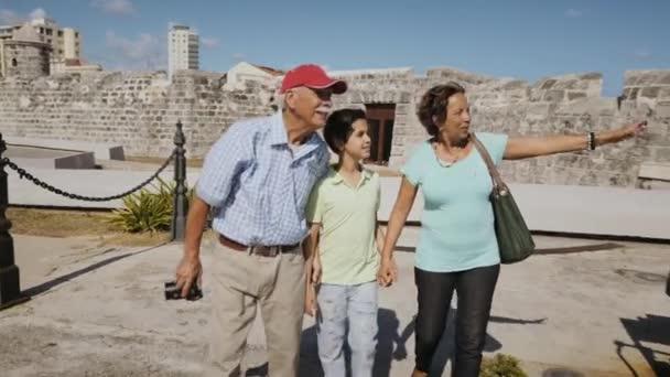 10-Senior Tourist Taking Souvenir Photo Family Vacations Cuba Steadicam