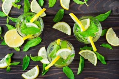 Lemonade with fresh lemons