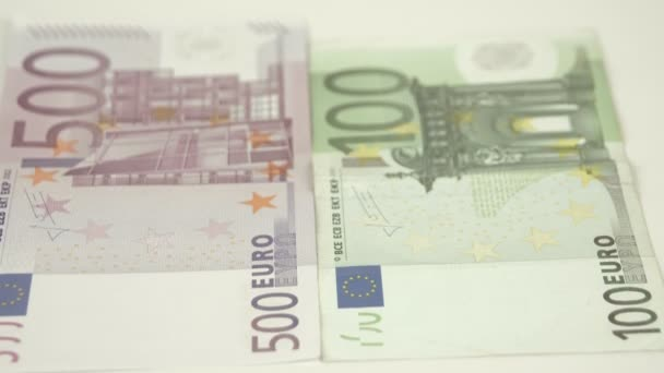 Upper view of the 100 and 500 Euro bill