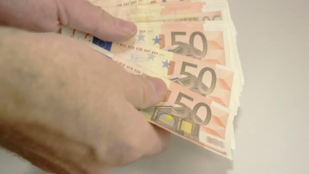 Ruční počítání spousty 50 EUR