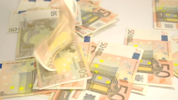 50 euro bankovky na podlaze