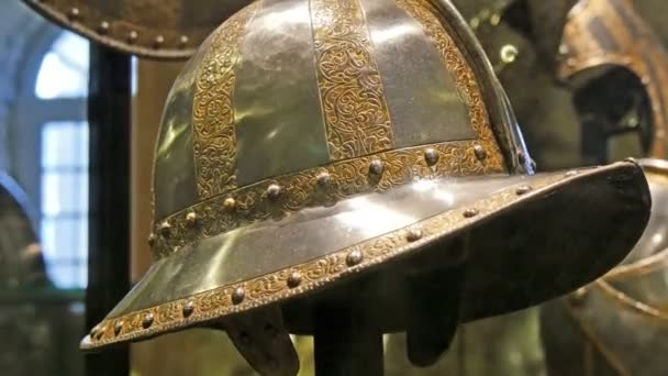 Details of the knights hat