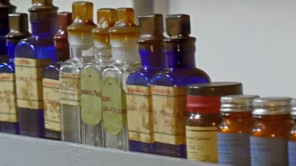 Různé druhy jedů a chemikálií
