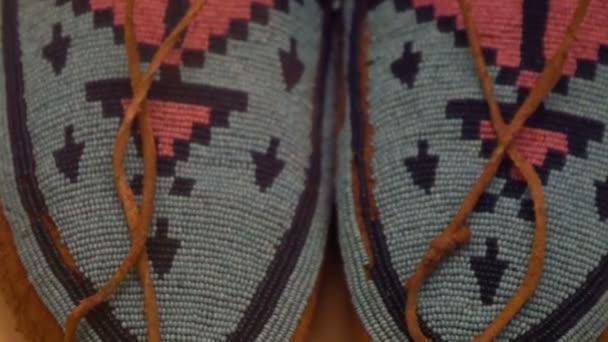 Amerikai indián öltözet-val színes vonalak