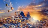 Photo Hot air balloon flying over Cappadocia