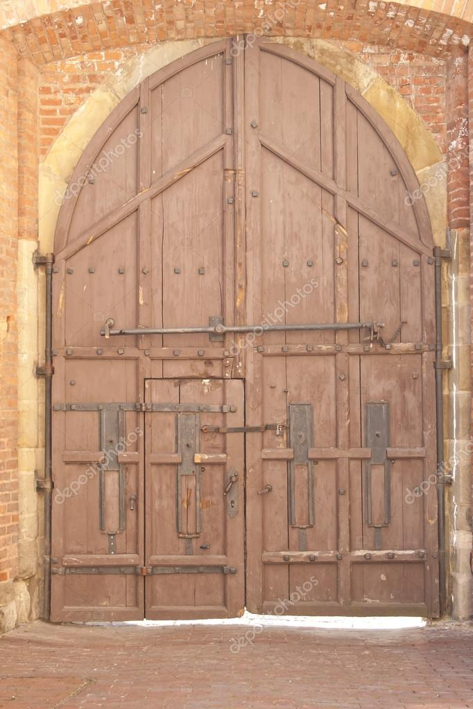 Old Wooden Castle Gate — Stock Photo © zizar #124471518