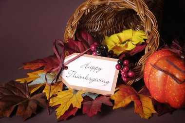 Happy Thanksgiving Table Cornucopia