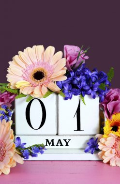 Happy May Day calendar with flowers.