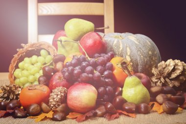 Happy Thanksgiving Table with Fall Harvest