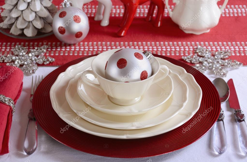 Red and White Christmas Table Setting. \u2014 Stock Photo & Red and White Christmas Table Setting. \u2014 Stock Photo © amarosy #92411180
