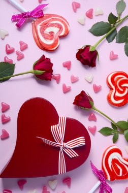 Valentine roses, lollipops and gift