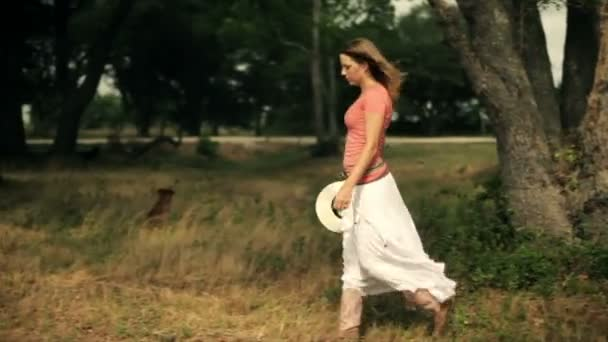 šla na pastvině