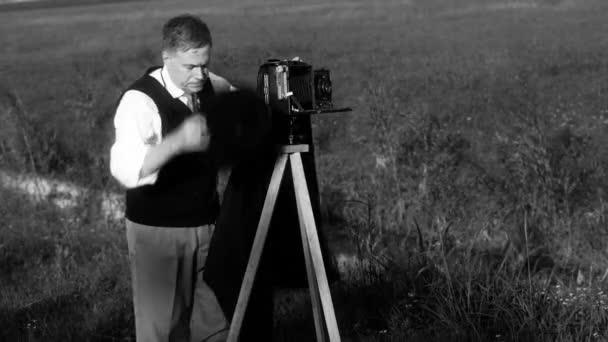 let fotograf před proudu černá a bílá