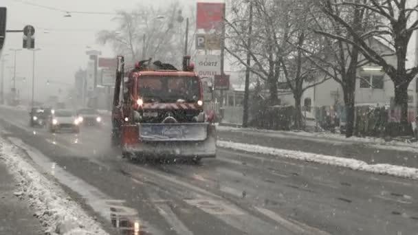 German winter service, heavy snowfall
