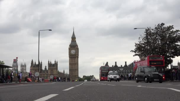 London Westminster Palace, Heavy Traffic Street with Red Buses, Big Ben, Famous Places, Landmarks in Europe
