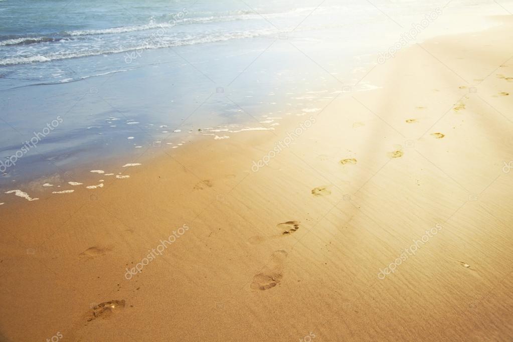 impronte nella sabbia — Foto Stock © robsonphoto  79008576 054da8796bd