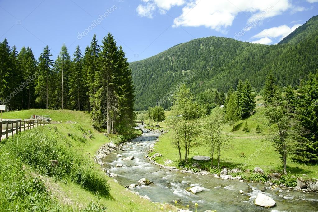 Trentino alto adige paesaggio in val di sole dolomiti for Arredamento trentino alto adige