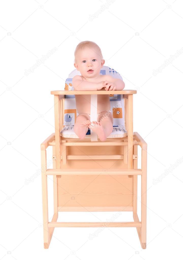 Hoge Stoel Baby.Schattige Baby In Hoge Stoel Geisoleerd Stockfoto