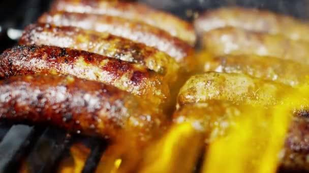 grilované maso uzeniny