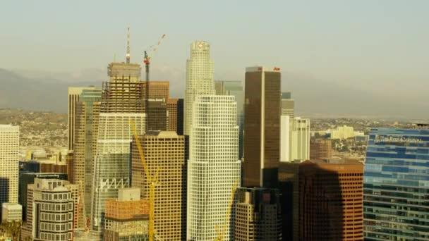 Západ slunce z Los Angeles mrakodrapů