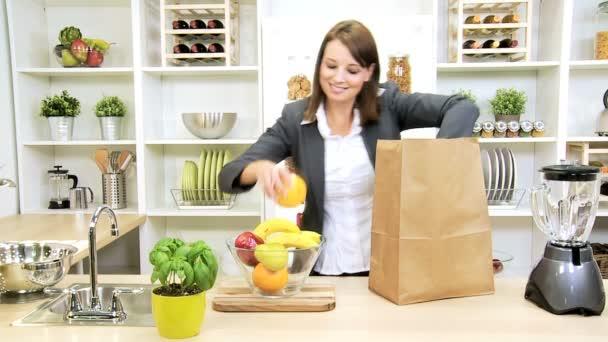 inteligentní dáma rozbalení Nákupní taška ovoce