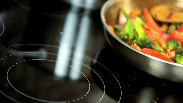 zdravého životního stylu možnost hýbat smažit jídlo