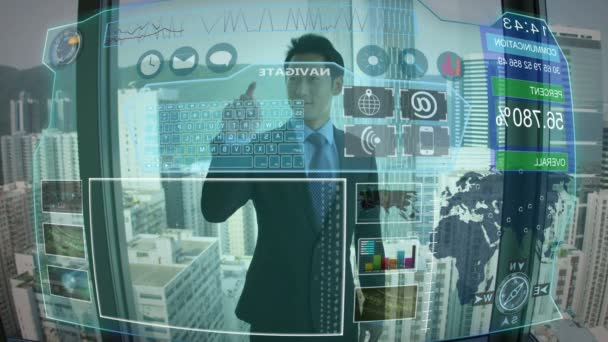 Asijské mužské pomocí grafických Touch Screen technologie